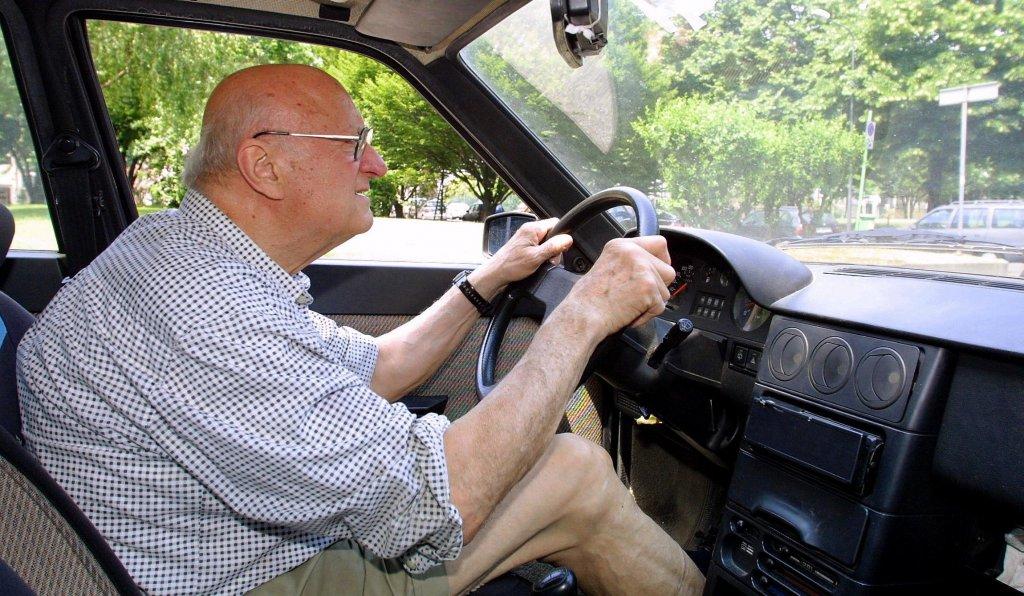 Over 80: toglietemi tutto ma non la patente!